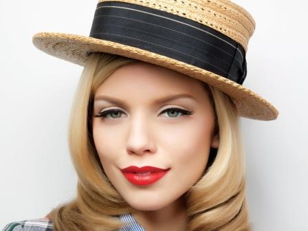Увеличиваем губы при помощи макияжа