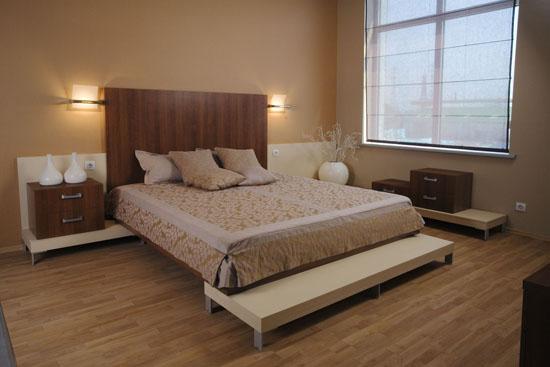 Приподнятая кровать