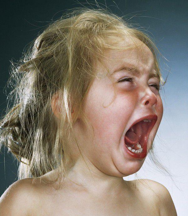 ребенок очень сильно кричит ночью универ