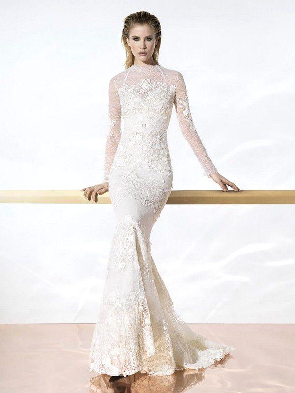Кружевное платье с рукавами русалка