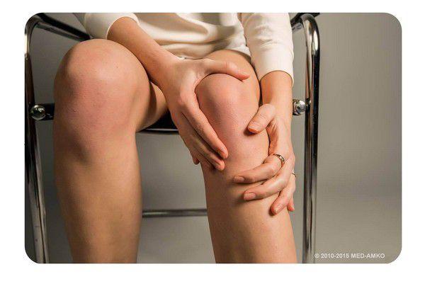 Левый коленный сустав болит