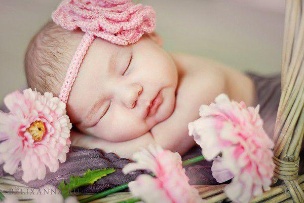 Что подарить новорожденной девочке?