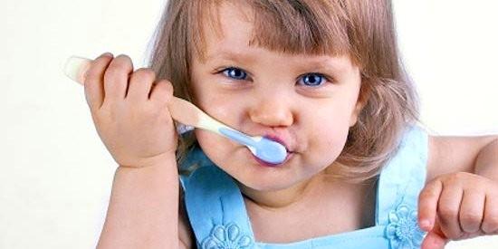 uchod-za-zubami1