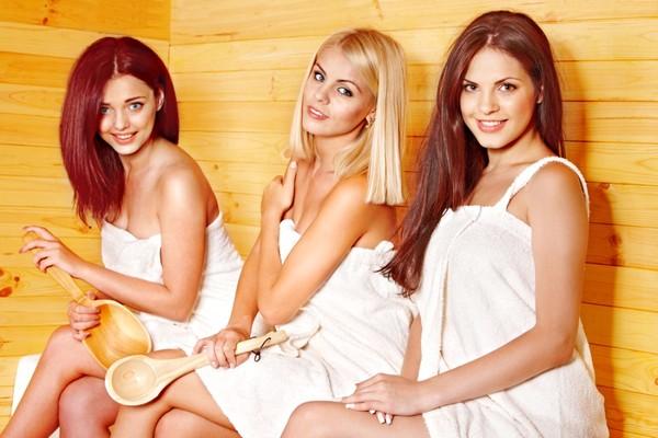 Групповуха с любовником и двумя девушками в джакузи  373023