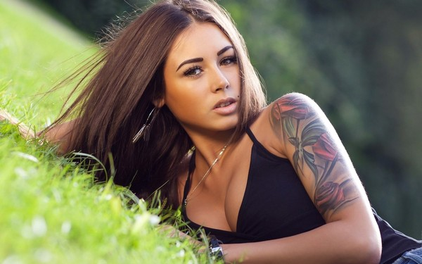 4 не самых удачных места на теле для татуировки