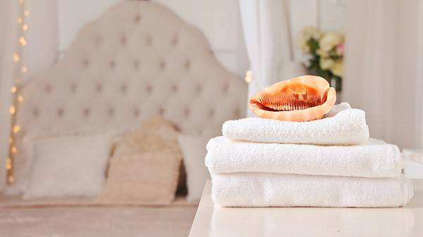 Выбираем текстиль для гостиницы: пледы и покрывала