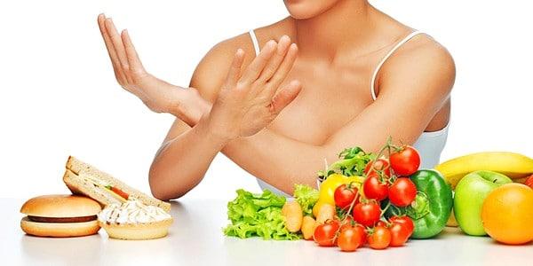 5 важных правил питания для жирной и проблемной кожи