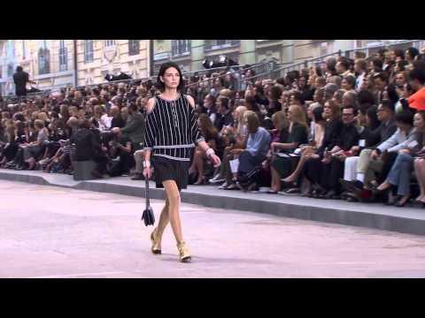 Показ мод Шанель - Весна-Лето 2015 / Chanel Spring Summer 2015 Full Fashion Show Exclusive
