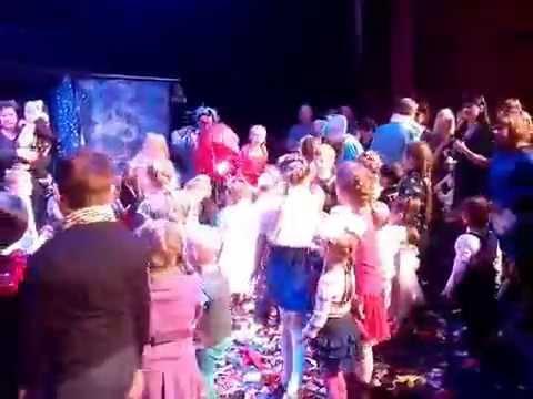 Как Ёжик и разноцветный слоненок встречали Новый год. Театр Заводной апельсин. Россия, Новосибирск.
