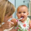 Как правильно начинать чистить зубки маленьким деткам