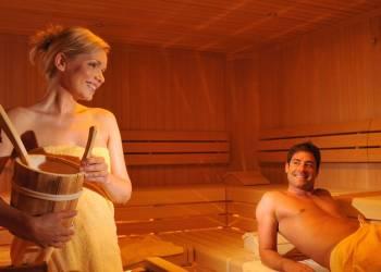 Какие напитки полезно употреблять в бане.