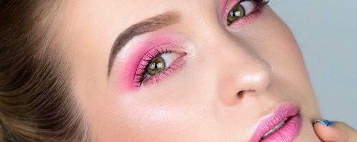 Розовый макияж – хит этого сезона