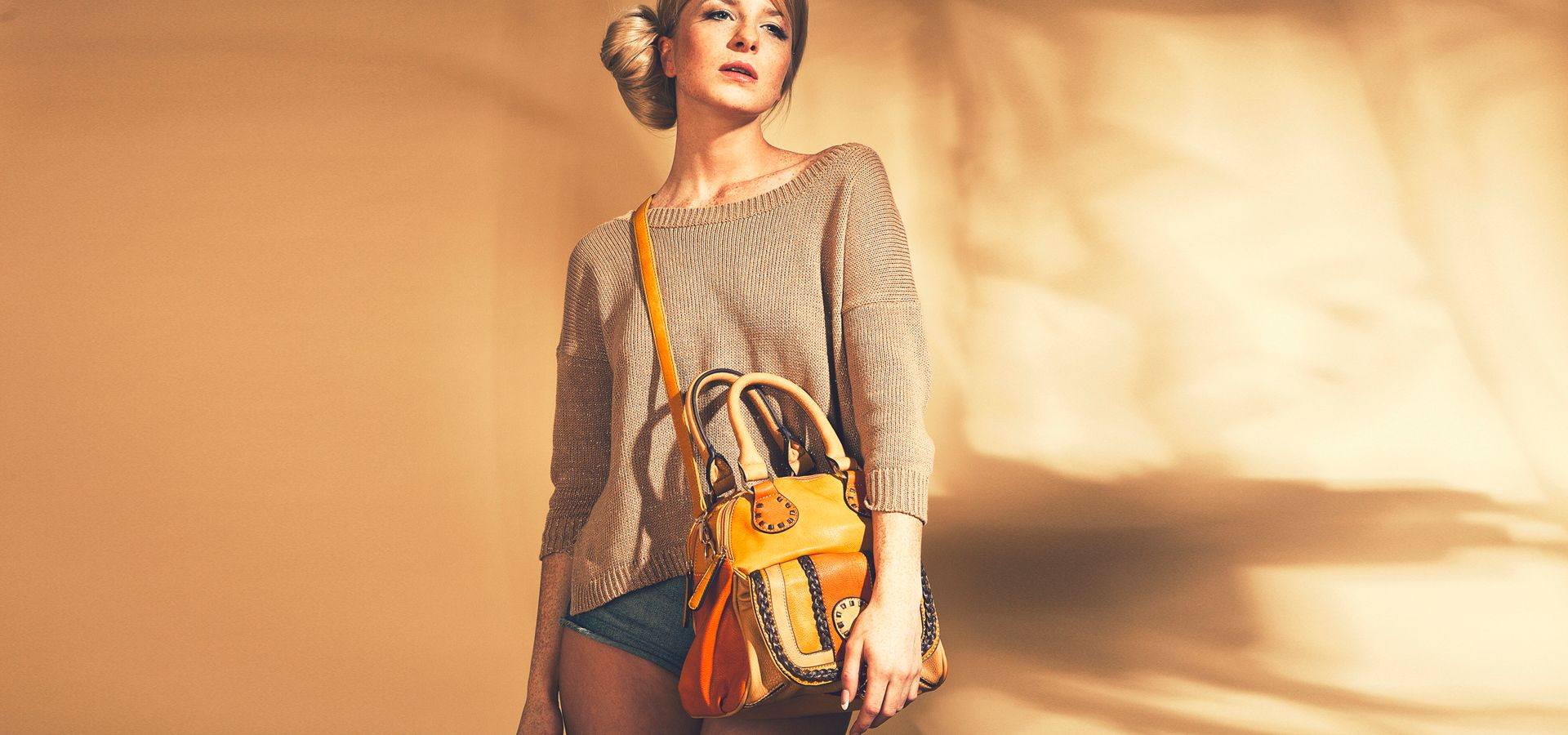 Красивая сумка у девушки фото