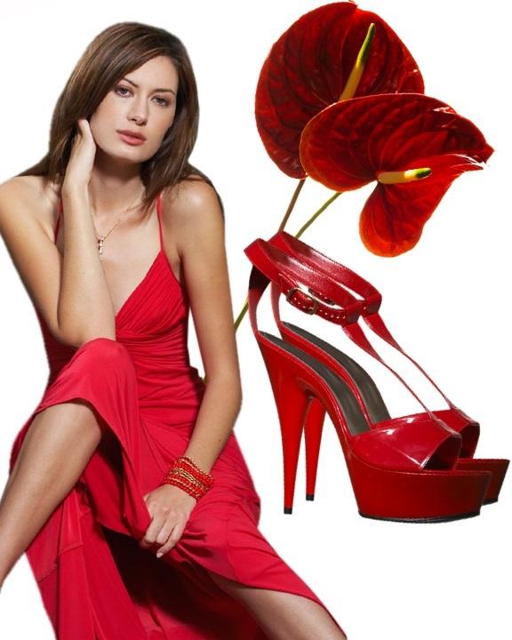 Сильная женщина в красном
