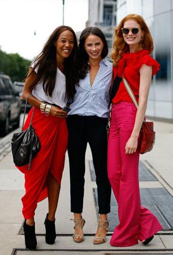 Красная одежда в городе