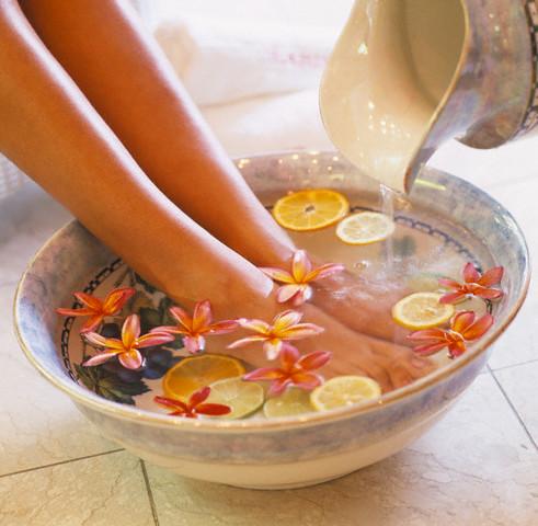 Ноги в теплой воде
