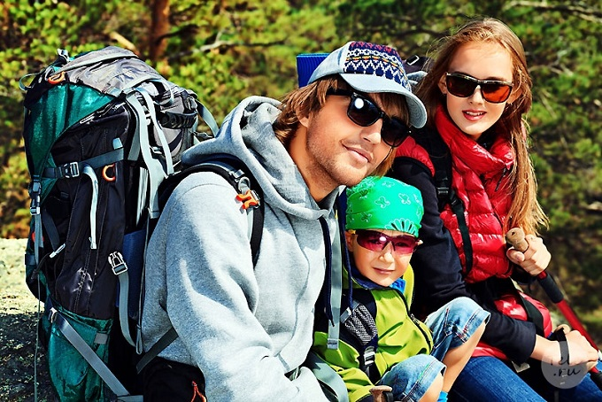 Семья в походе