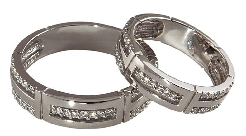 Дорогие кольца из серебра