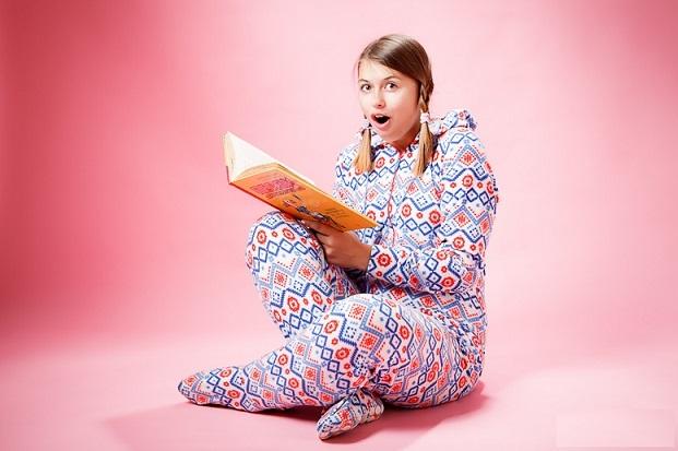 Девушка в пижаме