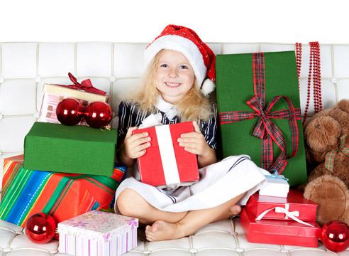 Девочка в подарках