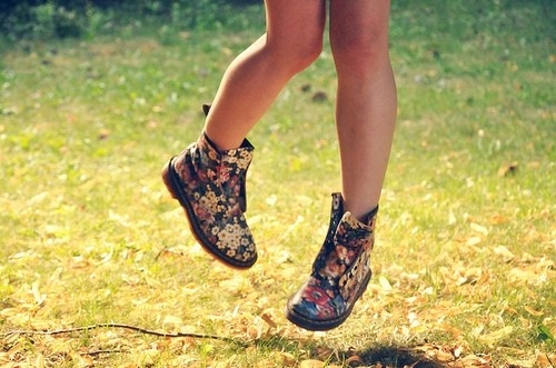 Интересные женские ботинки