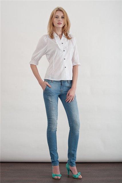 Белая блузка