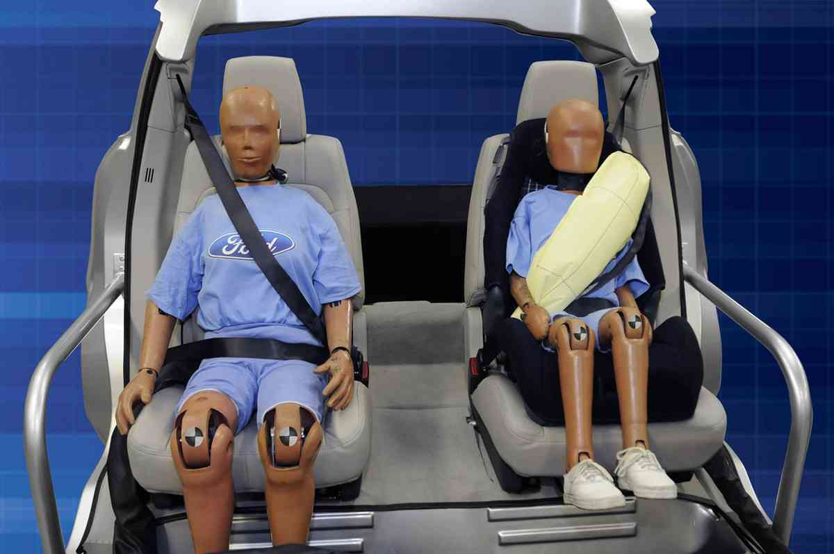 Ford to Debut Inflatable Seat Belts