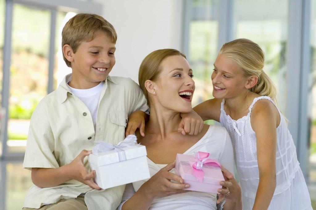 Что подарить на первом знакомстве с мамой мужа