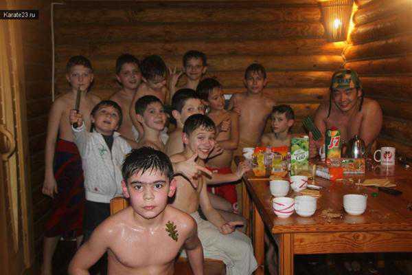коллективный поход в баню