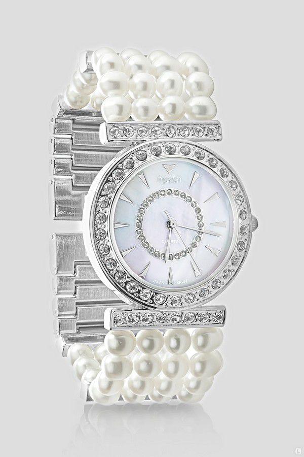 Как правильно сочетать женские часы с другими аксессуарами?