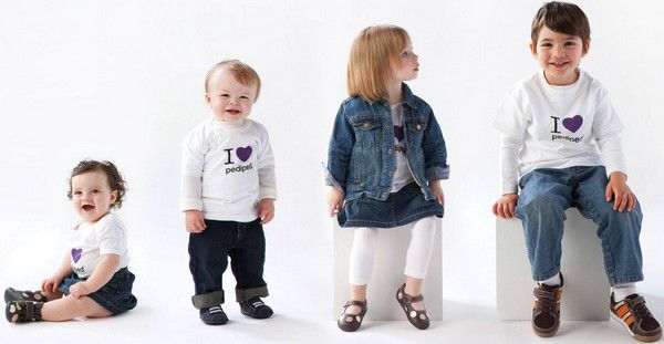 Детскую одежду выгоднее покупать оптом в интернет магазинах