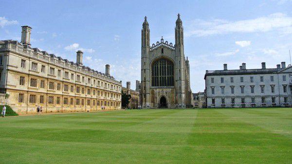 Преимущества получения высшего образования в Великобритании