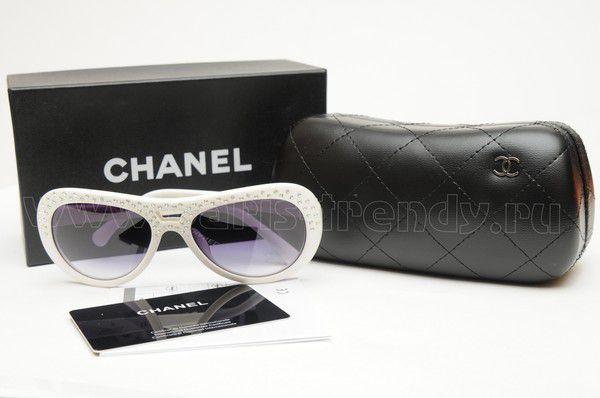 Солнцезащитные очки от Chanel