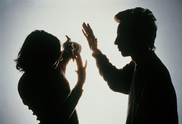 Почему муж бьет жену