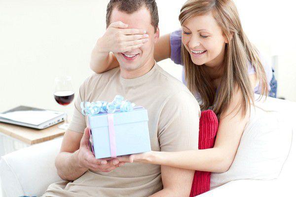Какой выбрать подарок мужу на день рождение?
