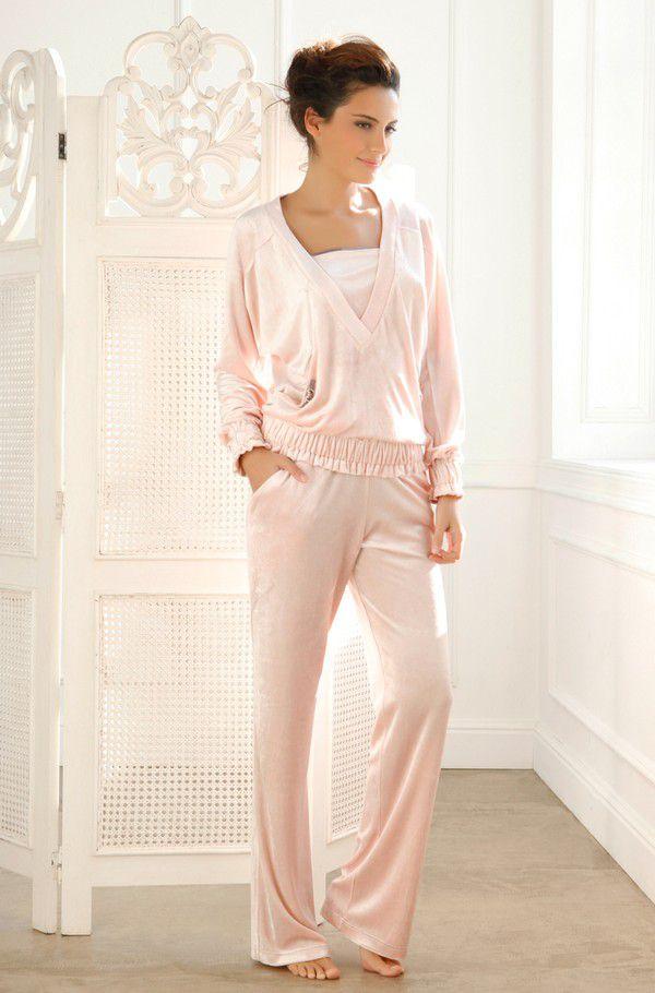 Как выбрать домашний костюм модной расцветки, повышающей настроение