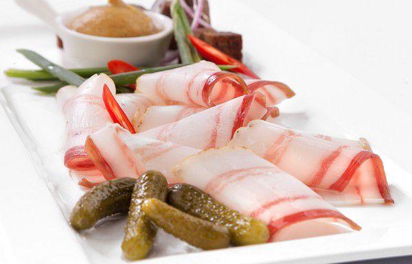 Чем полезно для здоровья свиное сало?