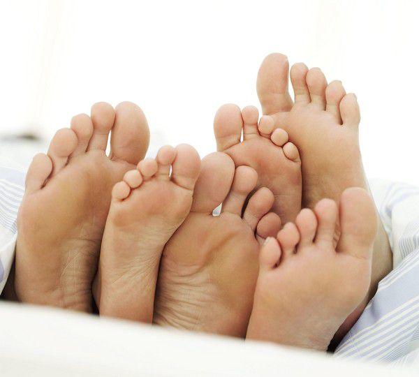 Потливость ног причины