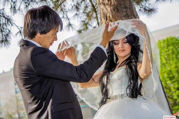 Вариант костюмов для тематической свадьбы
