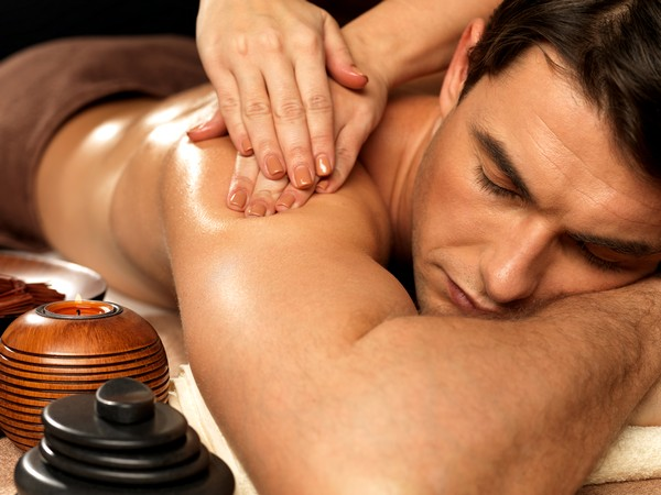 Как правильно делать массаж мужчине