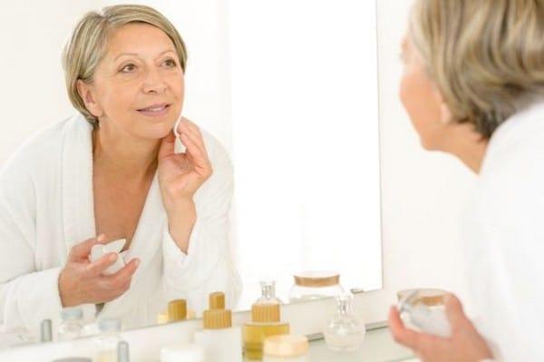 Макияж после 45 лет: подготовка кожи