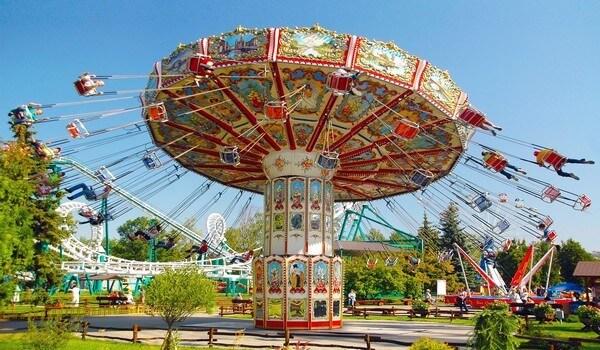 Парк аттракционов Диво Остров в Санкт-Петербурге