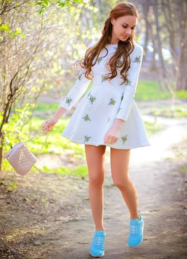 Как подобрать кроссовки под платье и создать модный и стильный образ