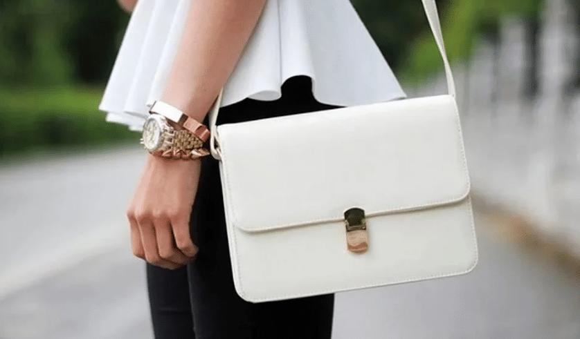 Белая сумка в женском гардеробе