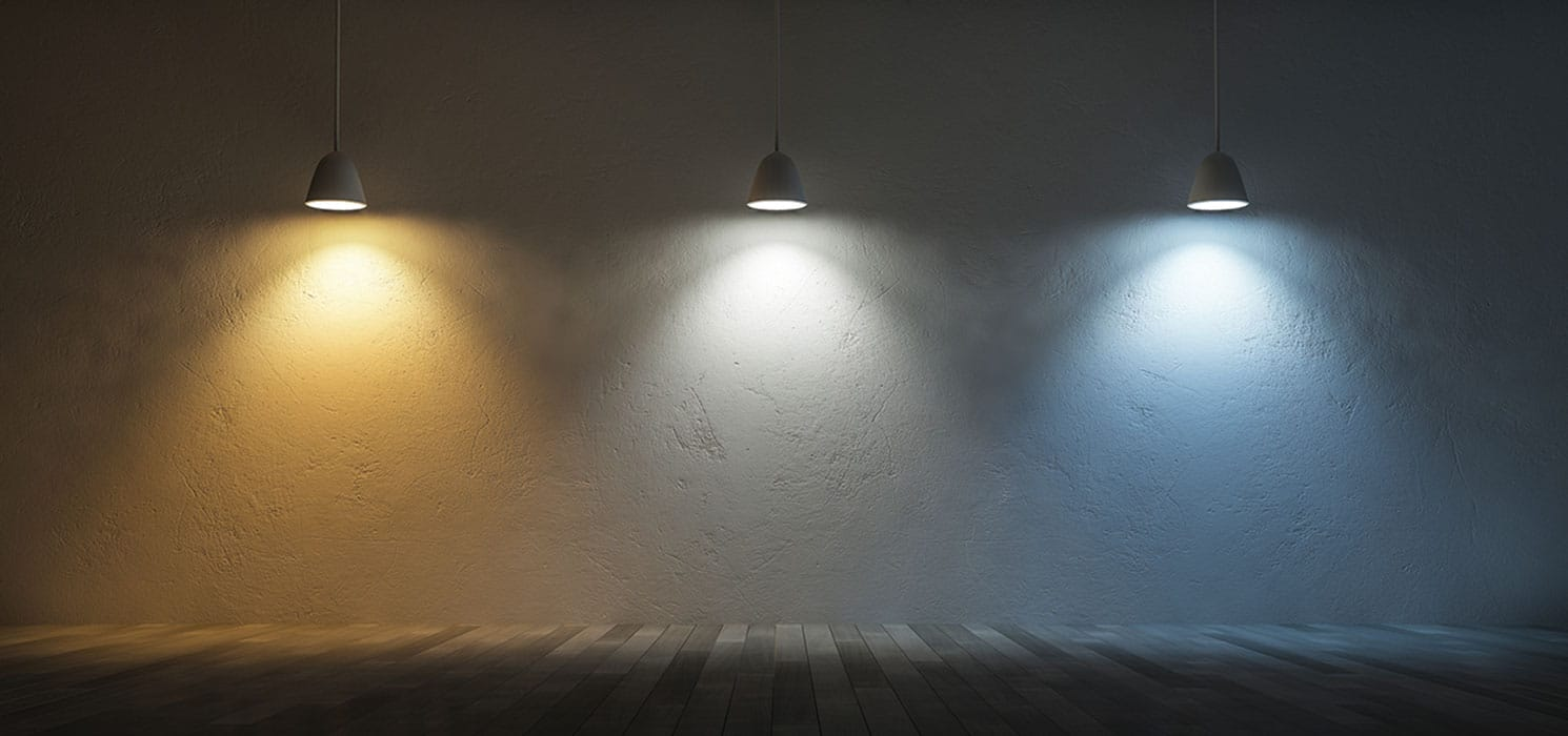 Тёплый свет против холодного белого дневного света