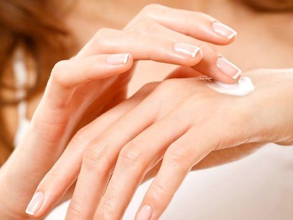 Как ухаживать за кожей рук осенью