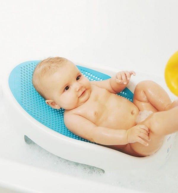 Как выбрать горку для купания ребенка
